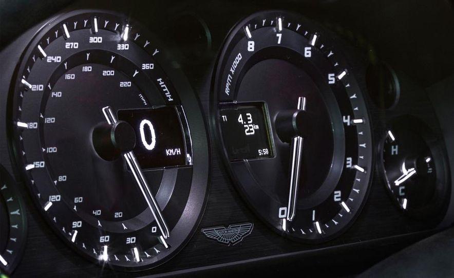 Aston Martin DB9 Carbon Black - Slide 47