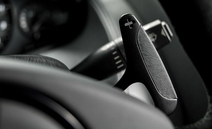 Aston Martin DB9 Carbon Black - Slide 46