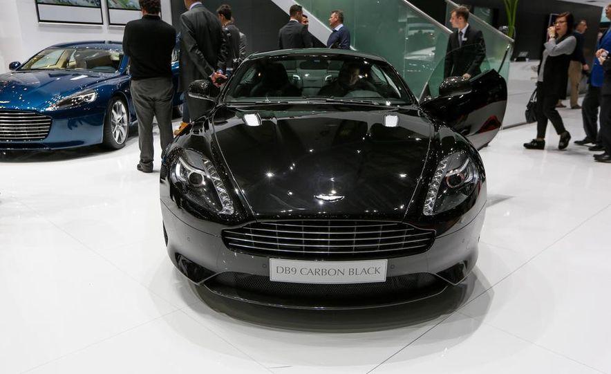 Aston Martin DB9 Carbon Black - Slide 1