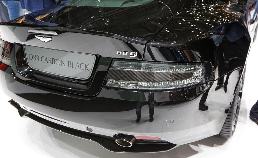 Aston Martin DB9 Carbon Black - Slide 6