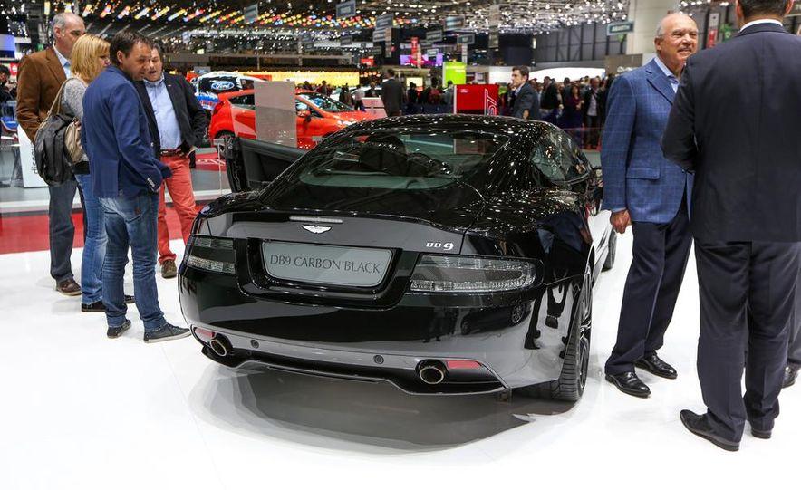 Aston Martin DB9 Carbon Black - Slide 7