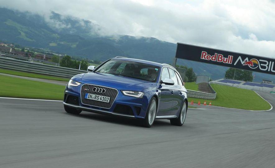 2013 Audi RS4 Avant - Slide 1