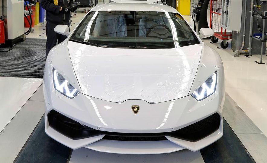 2014 Lamborghini Huracán LP610-4 - Slide 11