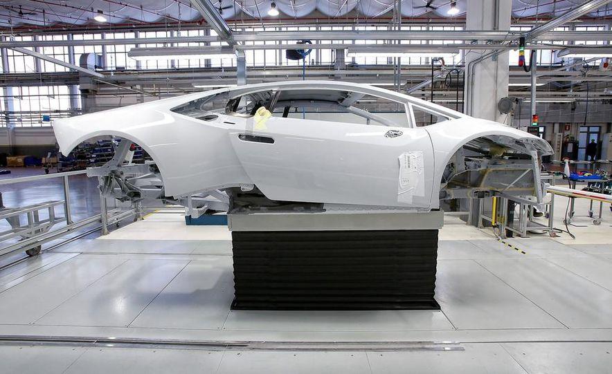 2014 Lamborghini Huracán LP610-4 - Slide 23