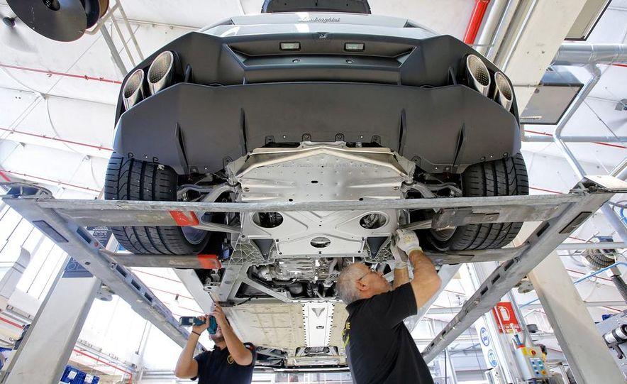 2014 Lamborghini Huracán LP610-4 - Slide 31