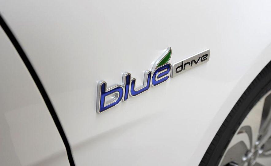 2013 Hyundai Sonata hybrid - Slide 8