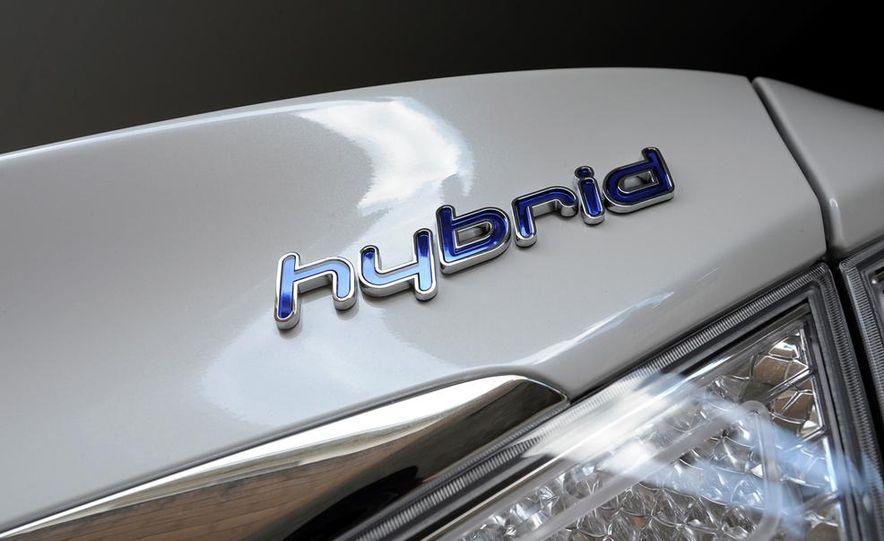 2013 Hyundai Sonata hybrid - Slide 9
