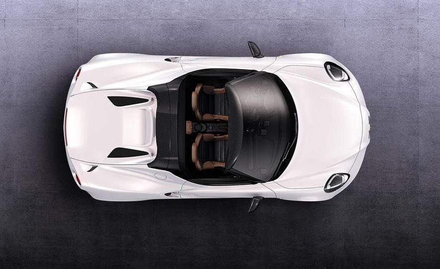 2015 Alfa Romeo 4C Spider - Slide 8