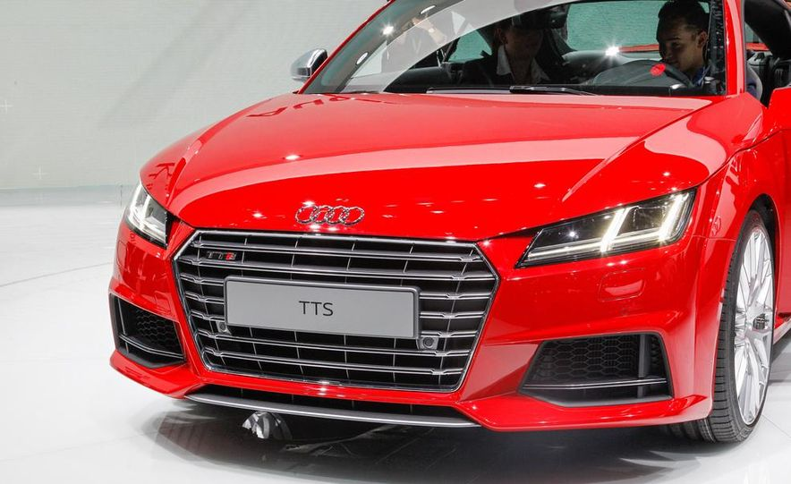 2016 Audi TTS - Slide 8