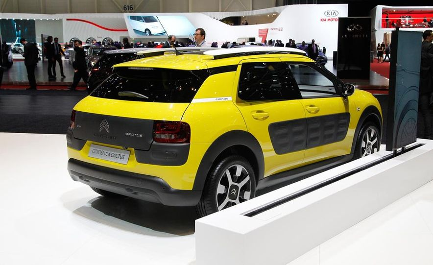 2015 Audi S1 - Slide 21