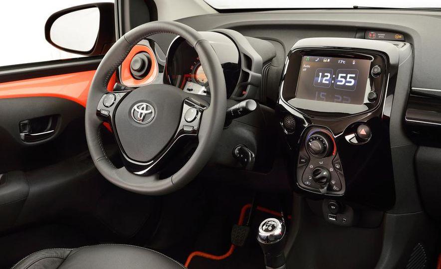2014 Toyota Aygo - Slide 16
