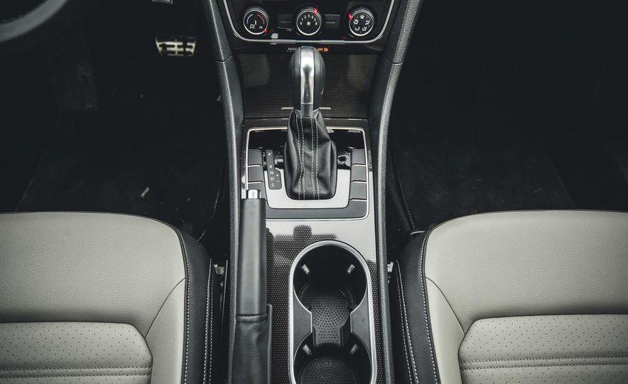 2014 Volkswagen Passat Sport 1.8T - Slide 30