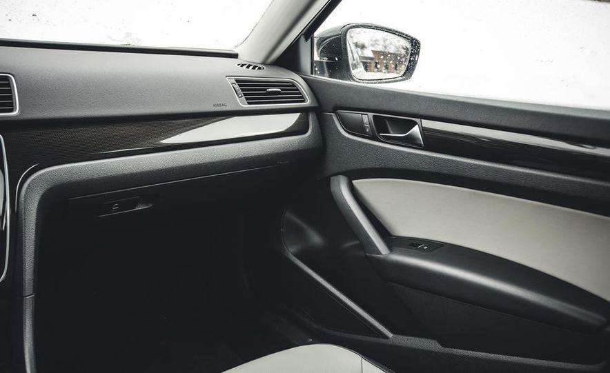 2014 Volkswagen Passat Sport 1.8T - Slide 23