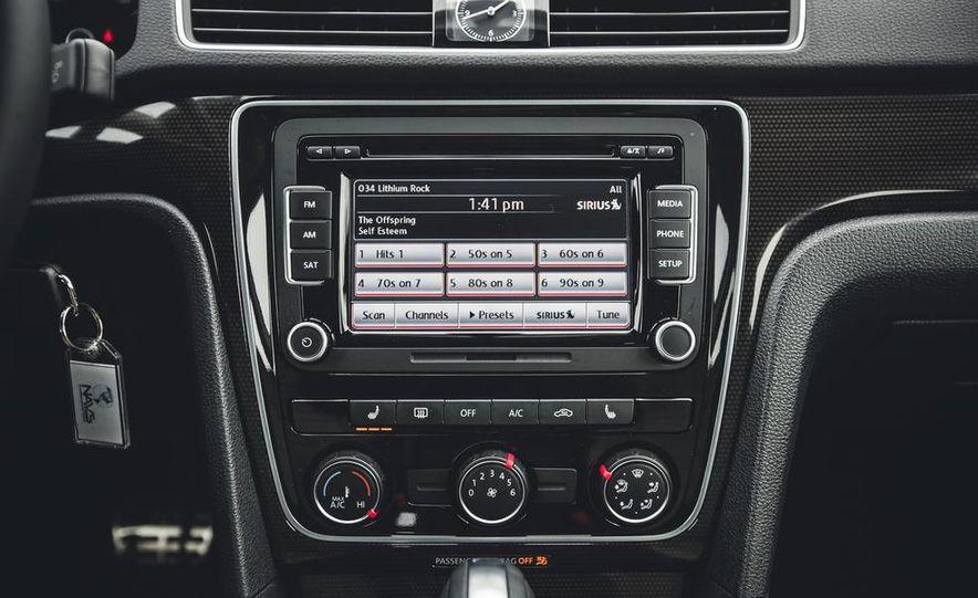 2014 Volkswagen Passat Sport 1.8T - Slide 27