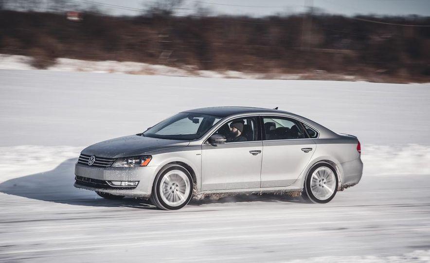 2014 Volkswagen Passat Sport 1.8T - Slide 4