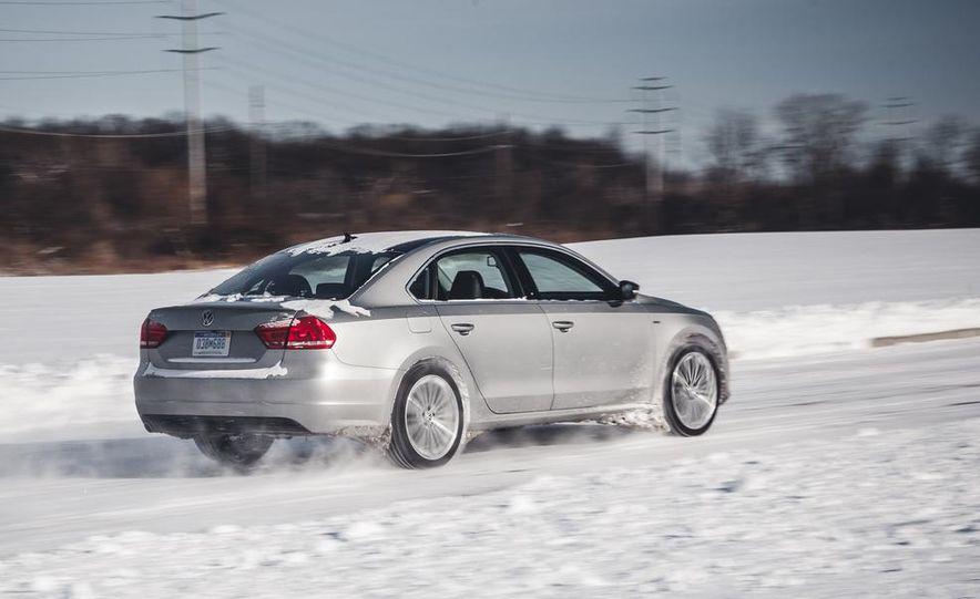 2014 Volkswagen Passat Sport 1.8T - Slide 5