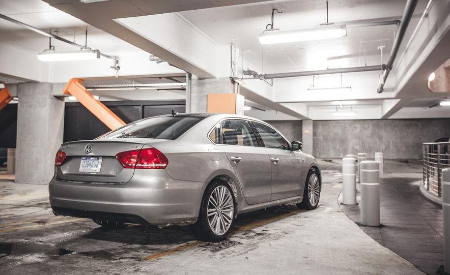 2014 Volkswagen Passat Sport 1.8T - Slide 10