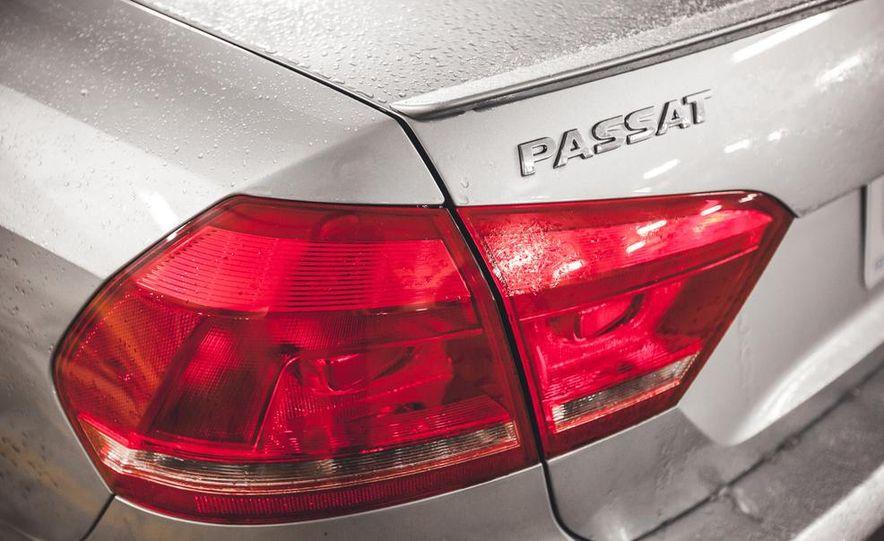 2014 Volkswagen Passat Sport 1.8T - Slide 15