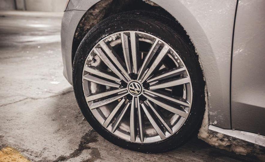 2014 Volkswagen Passat Sport 1.8T - Slide 13