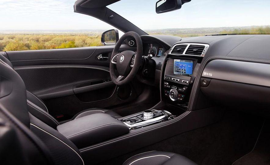 2012 Jaguar XKR-S convertible - Slide 18