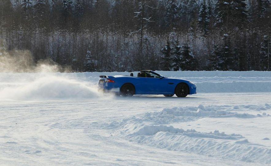 2012 Jaguar XKR-S convertible - Slide 3