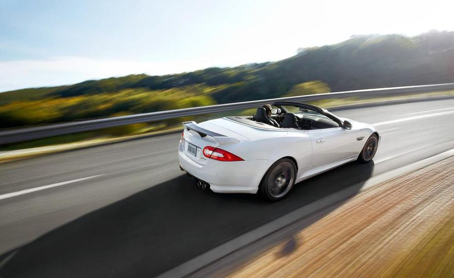 2012 Jaguar XKR-S convertible - Slide 17
