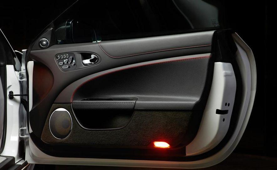 2012 Jaguar XKR-S convertible - Slide 37