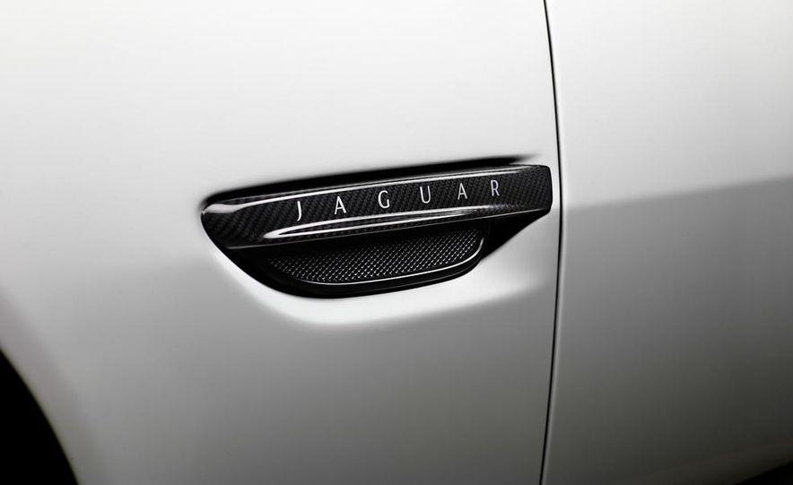 2012 Jaguar XKR-S convertible - Slide 31