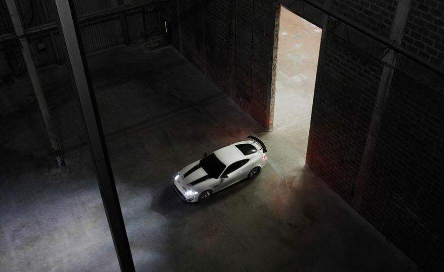 2012 Jaguar XKR-S convertible - Slide 28