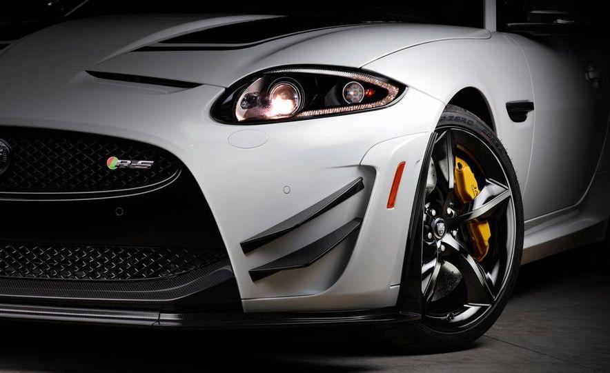 2012 Jaguar XKR-S convertible - Slide 30