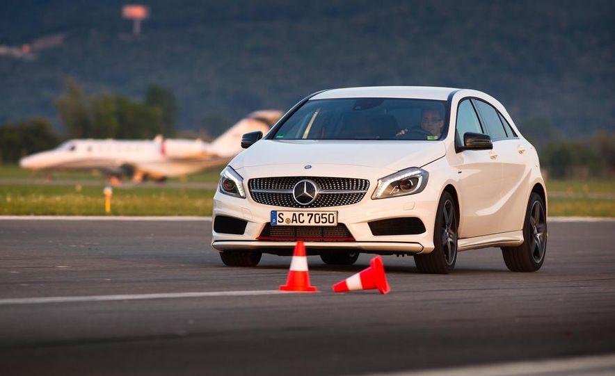 2013 Mercedes-Benz A200 - Slide 10