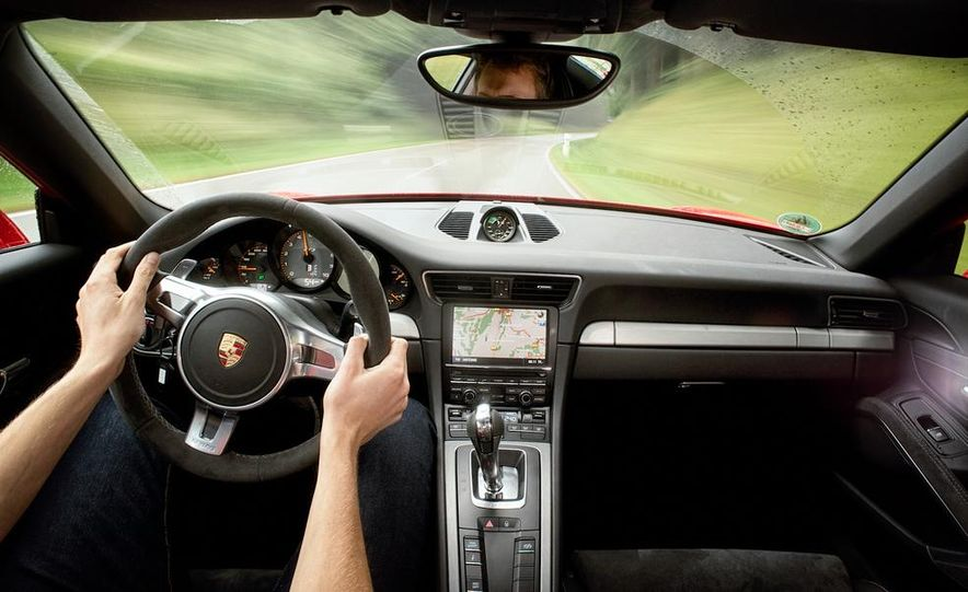 2014 Porsche 911 GT3 - Slide 22