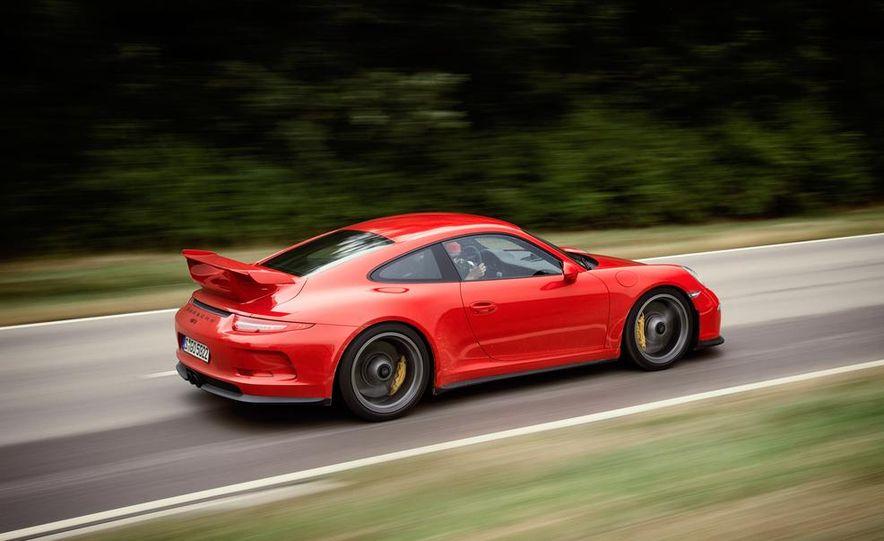 2014 Porsche 911 GT3 - Slide 17