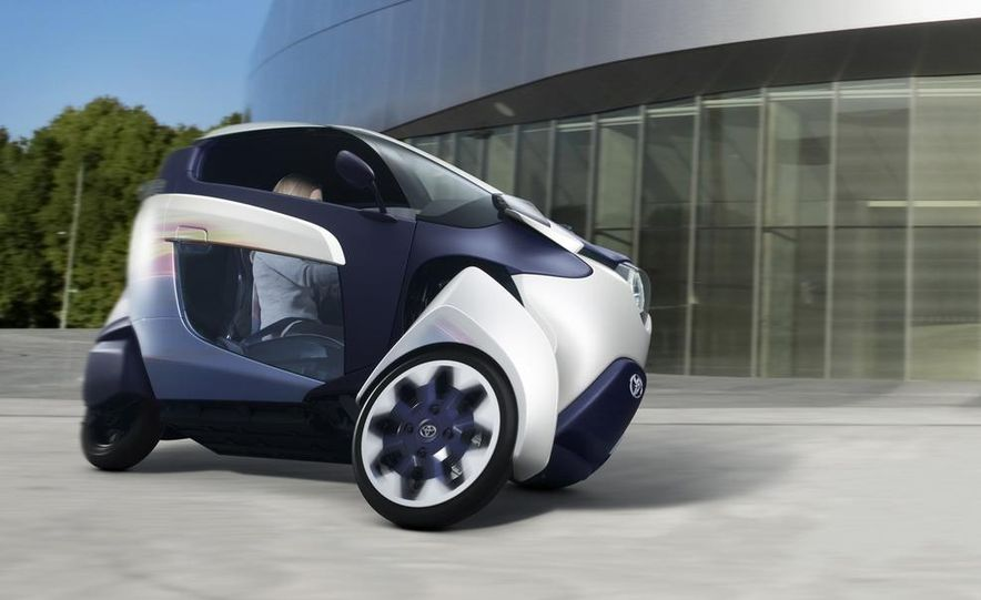 Toyota i-ROAD concept - Slide 2
