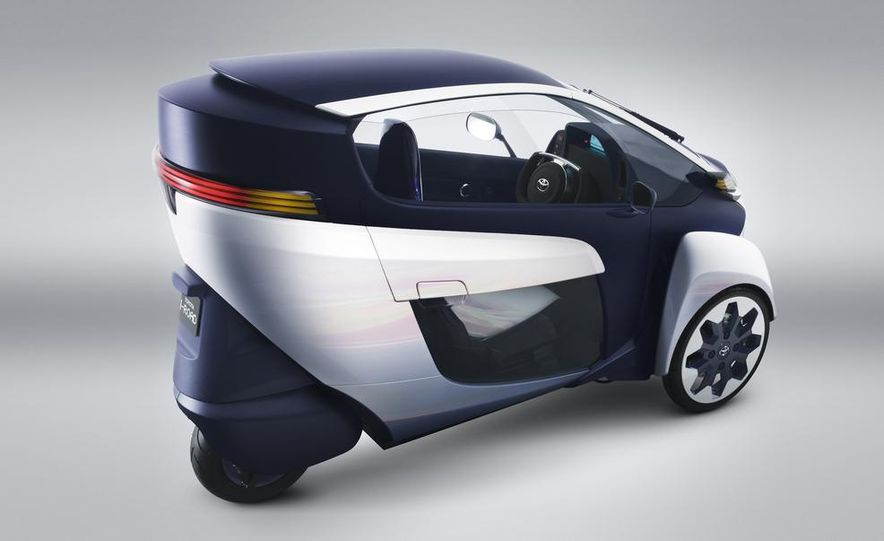 Toyota i-ROAD concept - Slide 8