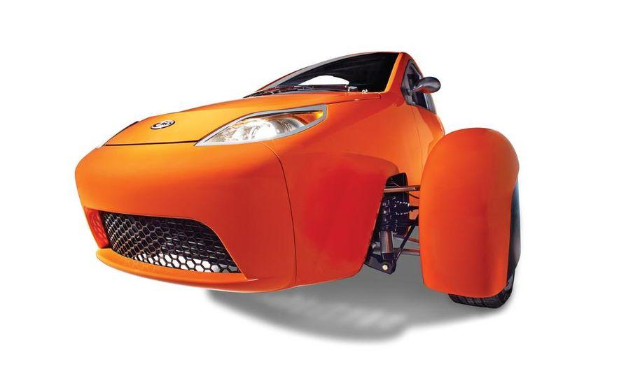 Paul Elio with the Elio Motors 3-wheeled prototype - Slide 7