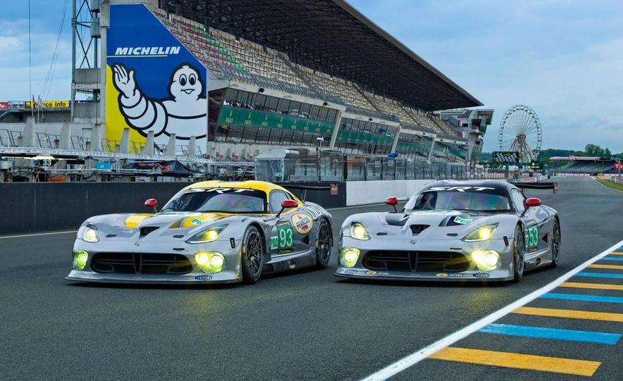 SRT Motorsports Viper GTS-Rs - Slide 1