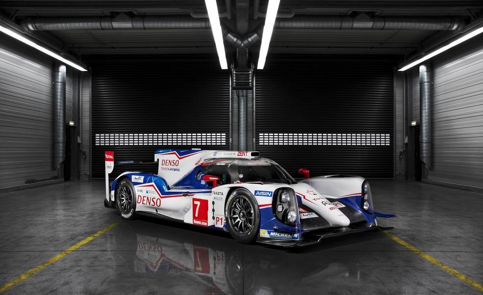 Toyota Reveals Powerful TS040 Hybrid Le Mans Racer – News – Car ...