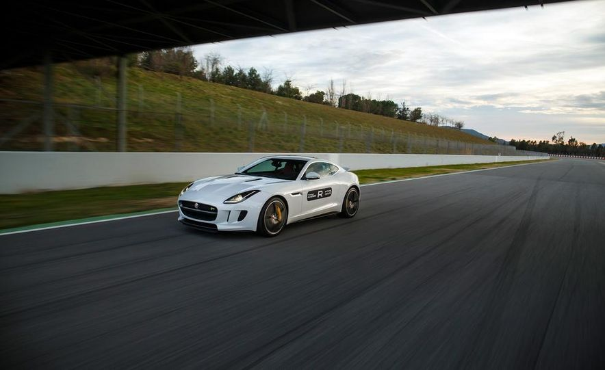 2015 Jaguar F-Type R coupe - Slide 10