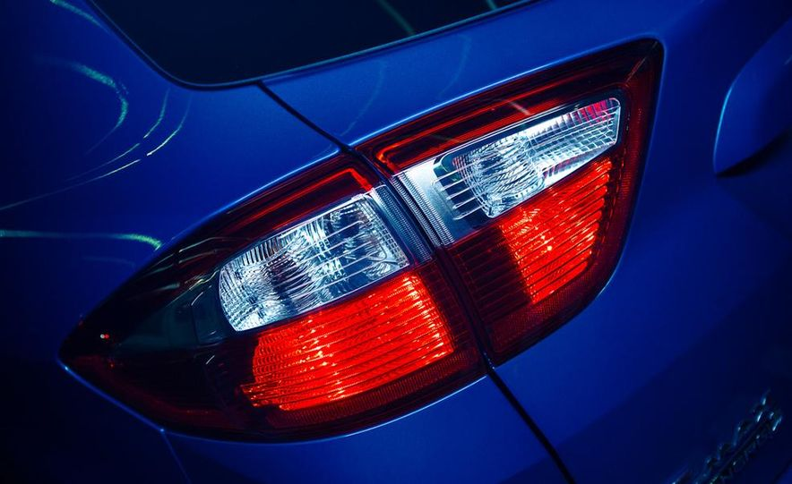 2013 Ford C-Max Energi Plug-In Hybrid - Slide 21