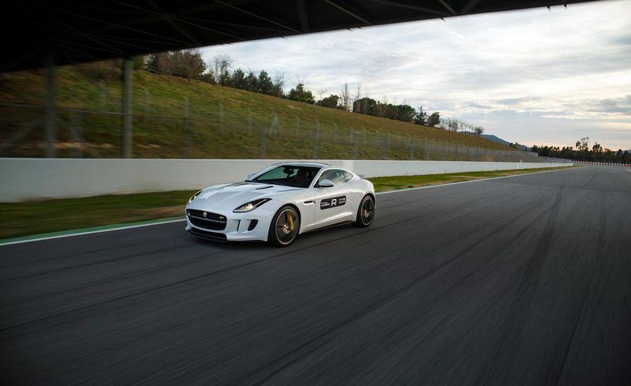 2015 Jaguar F-Type R coupe - Slide 6