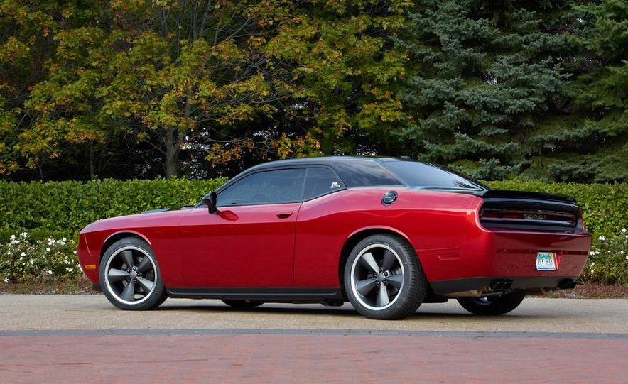 2014 Dodge Challenger R/T with Scat package and 2014 Dodge Charger R/T with Scat package - Slide 15