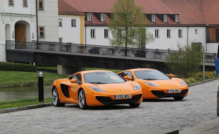 2014 McLaren 12C coupes - Slide 1