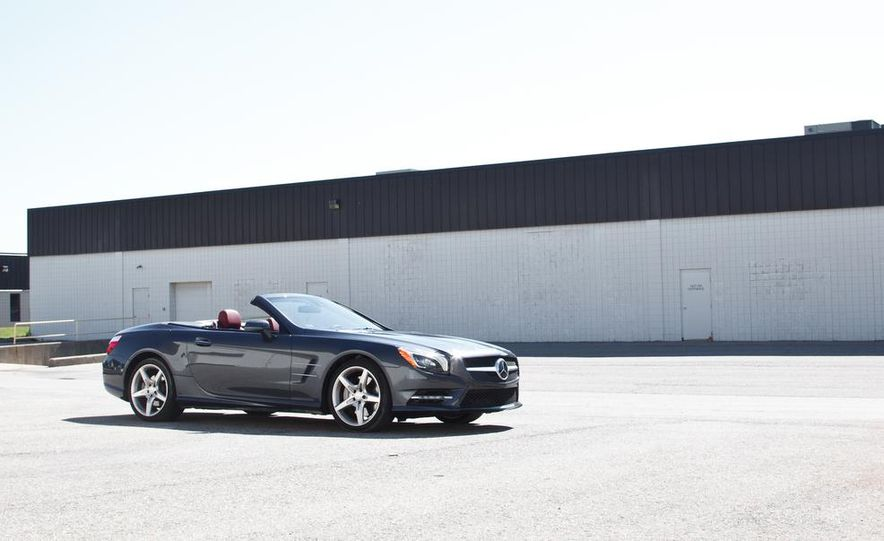 Mercedes-Benz SL400 - Slide 4