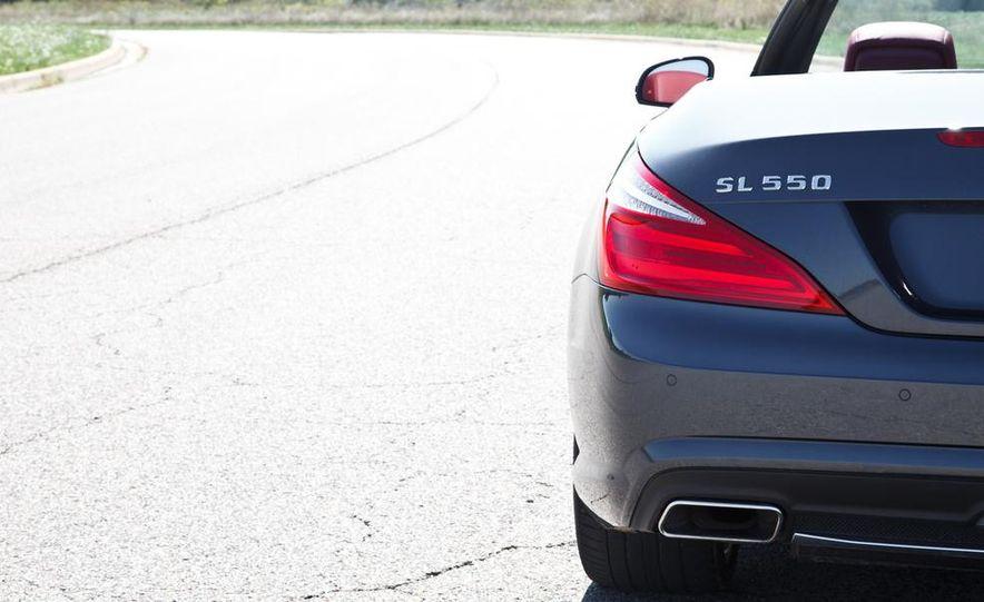 Mercedes-Benz SL400 - Slide 17