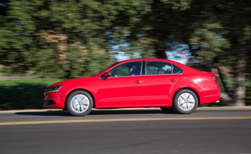 2014 Volkswagen Jetta 1.8T SE - Slide 4