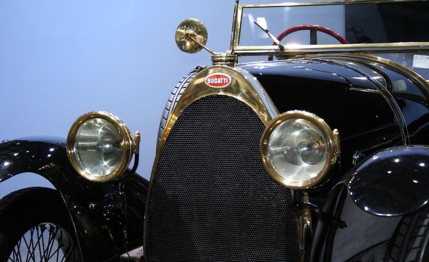 Bugatti Veyron Black Bess Legends Edition - Slide 9