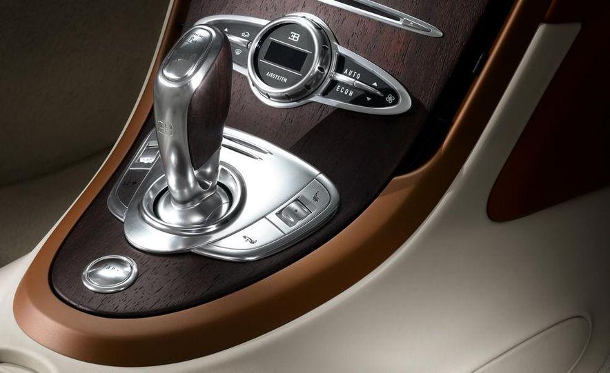 Bugatti Veyron Black Bess Legends Edition - Slide 22