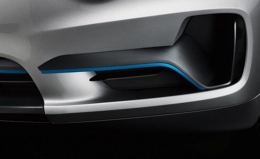 BMW Concept X5 eDrive - Slide 17