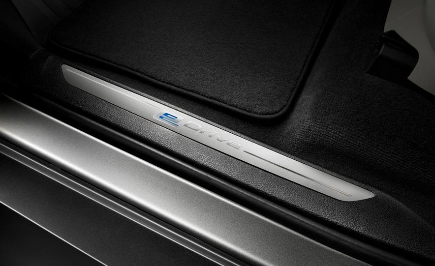 BMW Concept X5 eDrive - Slide 21